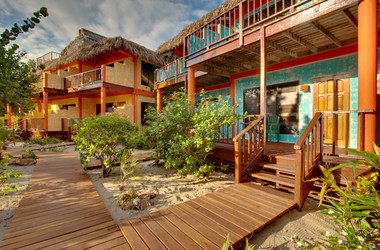 Veranda eines Bungalows im Robert's Grove Beach Resort