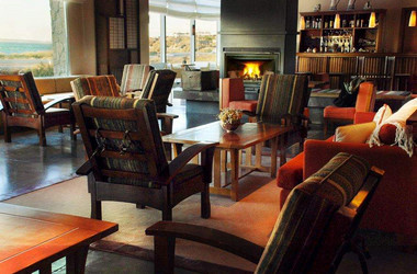 Bar und Lounge im Hotel Terrotorio in Puerto Madryn