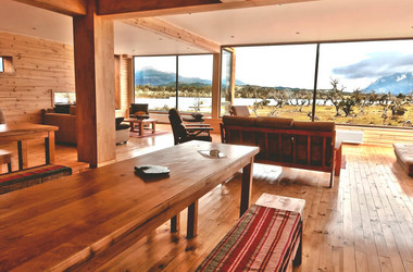 Lounge mit Panoramablick in der Pampa Lodge in Patagonien
